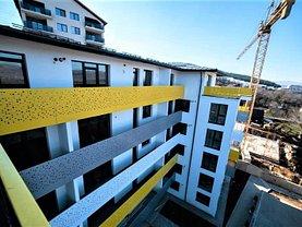 Apartament de vânzare 3 camere, în Floresti, zona Central