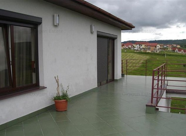 Apartament cu 2 camere si terasa de 60 mp in cartierul Europa - imaginea 1