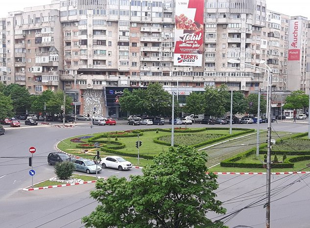 Vanzare apartament 2 camere Ploiesti Gheorghe Doja RENOVAT - imaginea 1