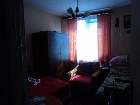 Apartament de închiriat 3 camere, în Ramnicu Valcea, zona Nord