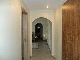 Apartament de închiriat 3 camere, în Ramnicu Valcea, zona Ultracentral