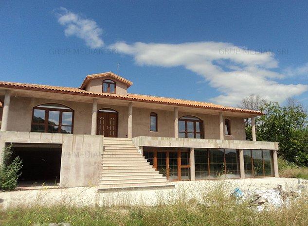 Casa si teren 3000 mp - imaginea 1