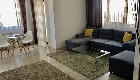 Apartamente Mamaia, Central