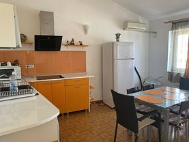 Casa de închiriat 7 camere, în Constanţa, zona Universitate