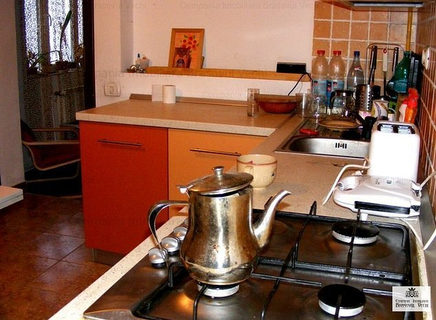 Brasovul Vechi, apartament in corp de casa - imaginea 1
