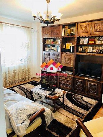 Apartament 4 camere, decomandat- zona centrala - imaginea 1