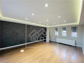 Apartament de vânzare 4 camere, în Sibiu, zona Periferie