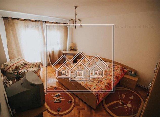 Apartament de vanzare Sibiu cu 4 camere zona Ciresica - imaginea 1