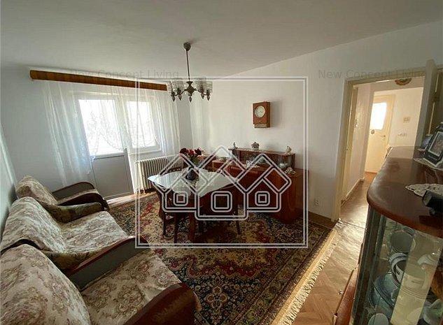 Apartament de vanzare in Sibiu, 3 camere, zona Rahovei - imaginea 1
