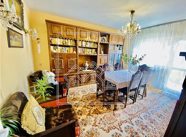 Apartament de vanzare in Sibiu - 4 camere cu balcon - Vasile Aaron - imaginea 1