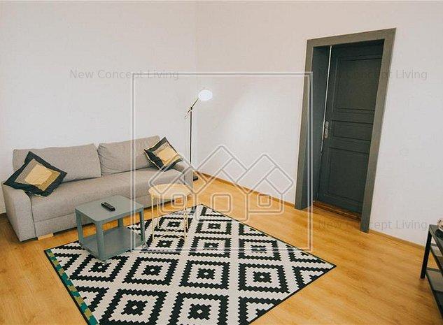 Casa de vanzare in Sibiu - 4 camere si 2 bai- Zona Centrala - imaginea 1