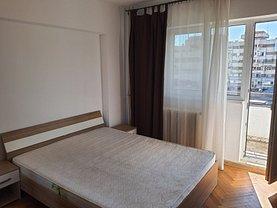 Apartament de închiriat 3 camere, în Iaşi, zona Piaţa Unirii