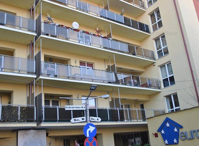 Apartament 4 camere de inchiriat - imaginea 1