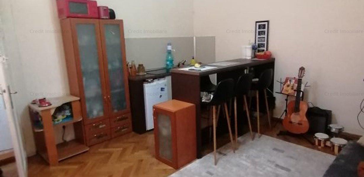 Apartament de inchiriat central la casa - imaginea 3