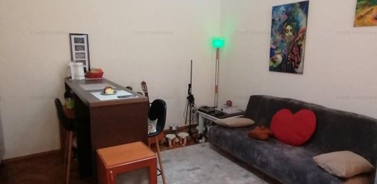 Apartament de inchiriat central la casa - imaginea 1