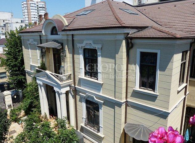 CENTRU - Vila eleganta cu o arhitectura deosebita! - imaginea 1