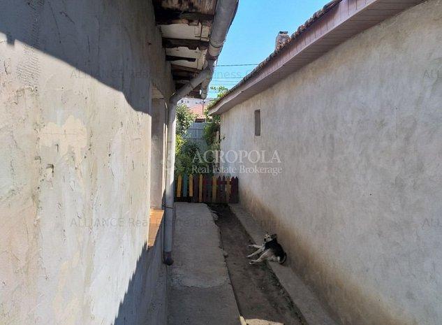 ZONA ANDA - Casa cu curte mare si deschidere generoasa !!! - imaginea 1
