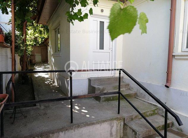Casa 3 camere zona Delfinariu - B-bul Mamaia - imaginea 1