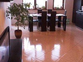 Apartament de vânzare 3 camere, în Bucuresti, zona Damaroaia