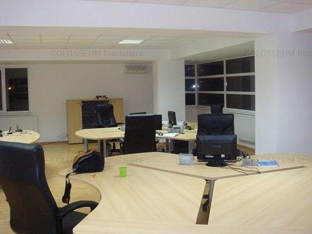 birouri open space 110mp , amenajate modern - imaginea 1