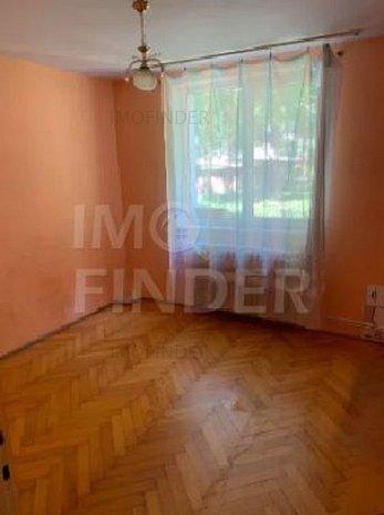 Vanzare apartament 2 camere zona Plopilor - imaginea 1