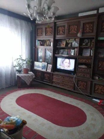 Apartament 3 camere parc Titan de vanzare - imaginea 1