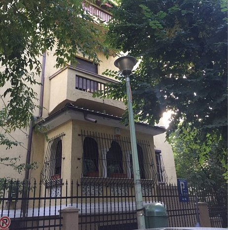 Apartament de inchiriat in vila, Primaverii - imaginea 1