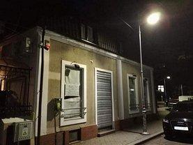 Casa de vânzare 4 camere, în Bucureşti, zona Romană