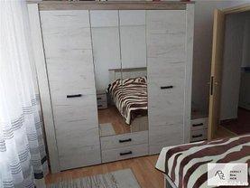 Apartament de vânzare 3 camere, în Bucureşti, zona Zeţarilor