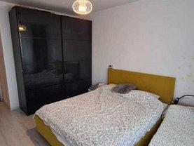 Apartament de vânzare 3 camere, în Bucureşti, zona Fundeni