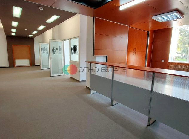 Unirii   Langa Metrou   Curte Interioara   Cladire Intreaga   Deosebit - imaginea 1