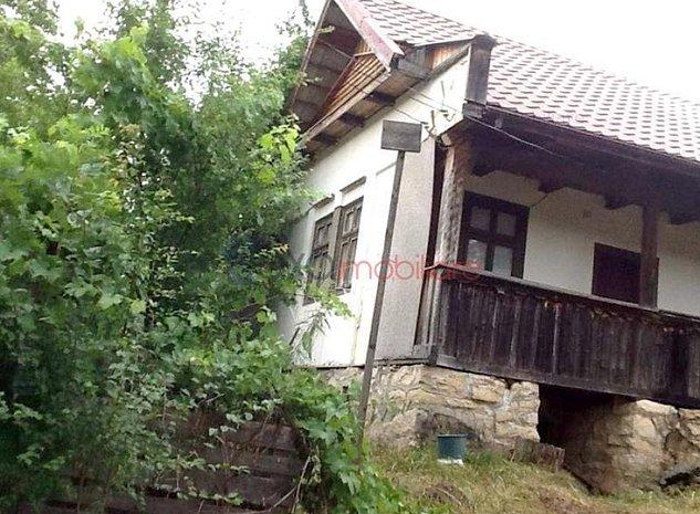 Casa cu 2 camere, 90 mp + anexe, teren intravilan, Calatele - imaginea 1