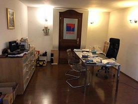 Casa de închiriat 8 camere, în Bucureşti, zona Turda