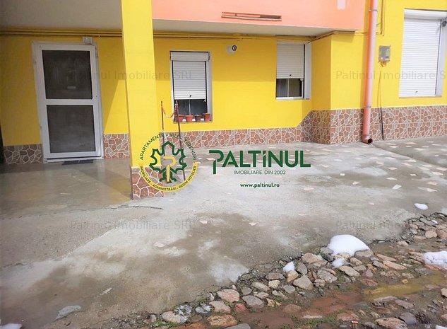 Garsoniera la casa in Cisnadie zona centrala - imaginea 1