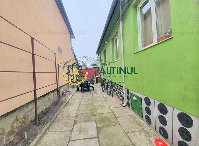Casa singur in curte zona Lazaret - imaginea 1