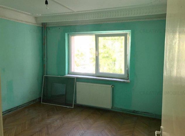 Oportunitate de investitie: Apartament 3 camere, decomandat, 2 bai, in Nicolina - imaginea 1