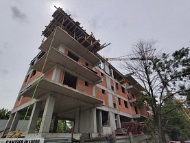 Apartament de vânzare 3 camere, în Bucureşti, zona Sălaj
