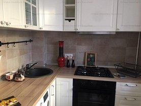 Apartament de vânzare 3 camere, în Bucureşti, zona Titan