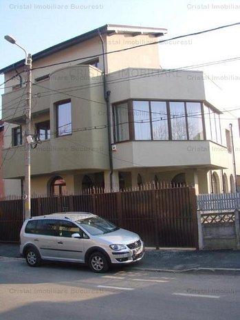 Casa Vila 7 camere Eroii Revolutiei - imaginea 1