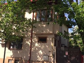 Casa de închiriat 11 camere, în Bucureşti, zona Decebal