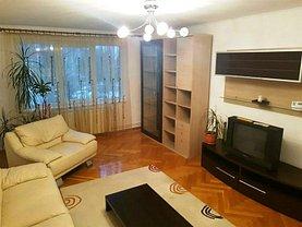 Apartament de închiriat 3 camere în Brasov, Centrul Civic