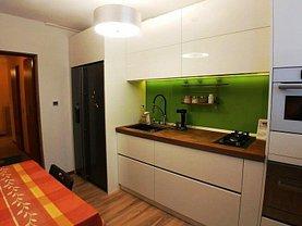Apartament de vânzare 4 camere în Brasov, Tractorul