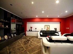Apartament de vânzare 4 camere, în Braşov, zona Vlahuţă