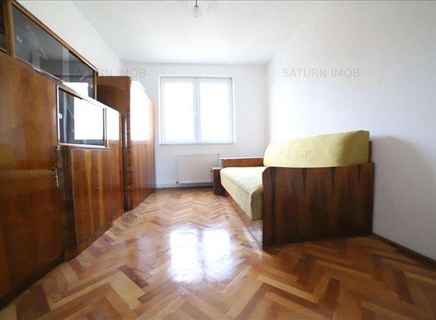 Vanzare apartament 3 camere decomandat zona Vlahuta - imaginea 1