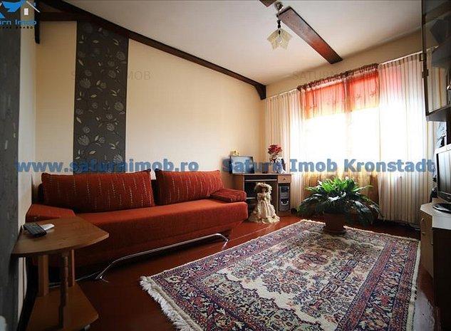 Vanzare apartament 3 camere , decomandat ,zona Noua - imaginea 1