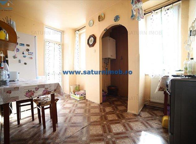 Vanzare apartament 3 camere decomandat zona Grivitei Onix - imaginea 1