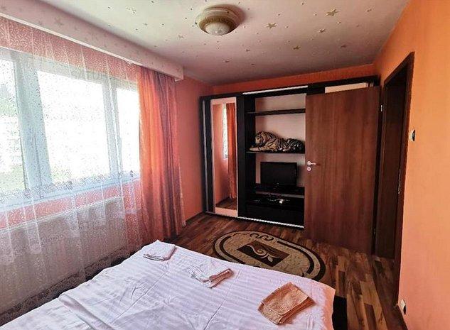 Inchiriem Apartament 2 Camere, Mobilat, Semidecomandat, Florilor - imaginea 1