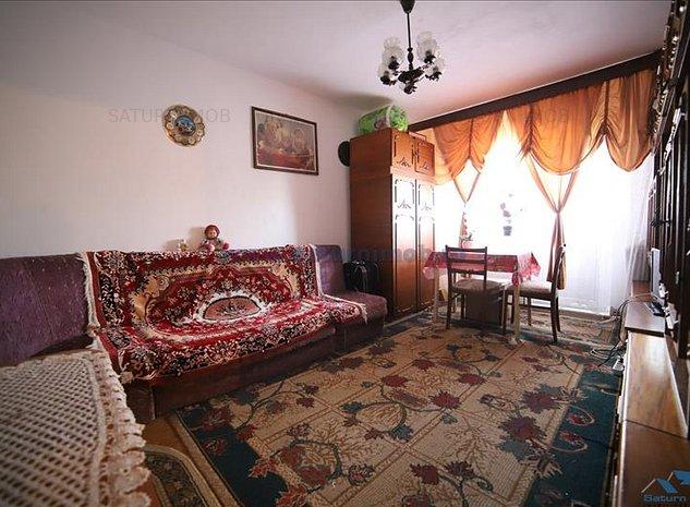 Vanzare apartament 3 camere decomandat zona Astra - imaginea 1