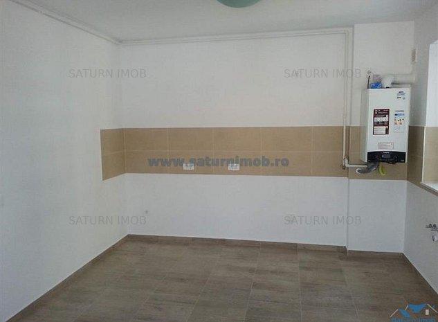 Inchiriere Apartament 2 Camere (Nemobilat) Decomandat in zona Avangarden Coresi - imaginea 1