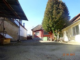 Casa de vânzare 14 camere, în Sacele, zona Central
